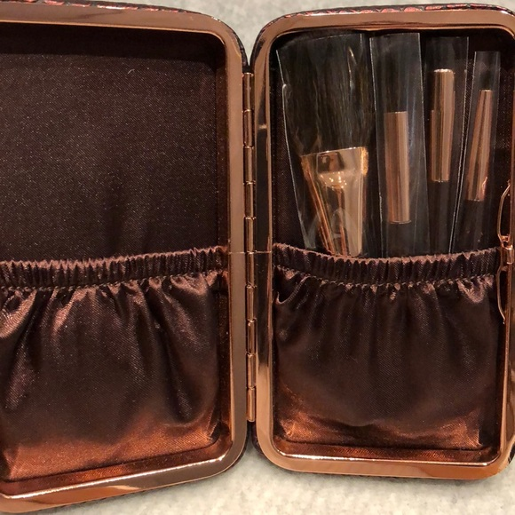 charlotte Tilbury Other - Charlotte Tilbury NEVER USED mini brush set